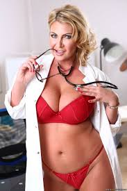 Nasty Female Doctor (2015)